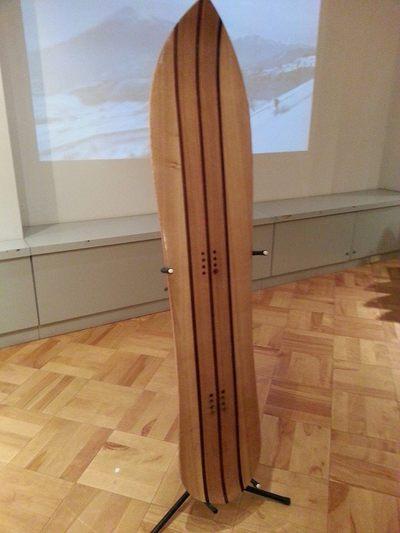 スギ間伐材のスノーボード
